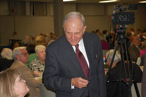 Bumpers/Pryor Democratic event in Russellville Arkansas-20091008-David Pryor talking © Pryor Center for Arkansas Oral and Visual History, University of Arkansas