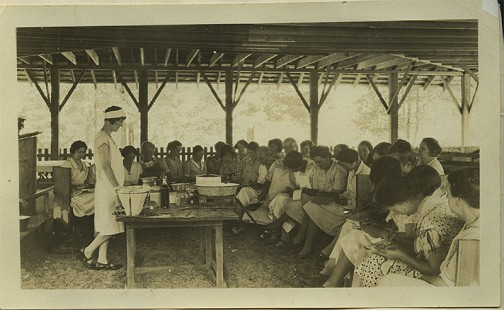 Food preservation demonstration at women's rest camp near Princeton, August 1930; Dorris Vick Collection MC961 © Pryor Center for Arkansas Oral and Visual History, University of Arkansas