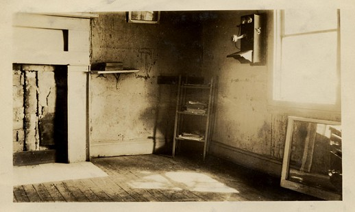 Kitchen before renovation, ca. 1929, from the Kilkare Home Demonstration scrapbook; Blanche Hanks Elliott Papers MC1272 © Pryor Center for Arkansas Oral and Visual History, University of Arkansas