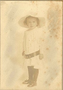 Childhood portrait of Richard Lewis Arnold, father of Morris Arnold © Pryor Center for Arkansas Oral and Visual History, University of Arkansas