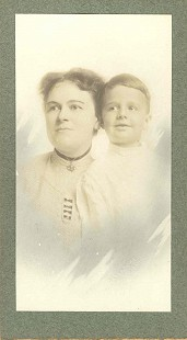 Portrait of Katherine Lewis Arnold and her son, Richard Lewis Arnold, the grandmother and father of Morris Arnold; 1923 © Pryor Center for Arkansas Oral and Visual History, University of Arkansas