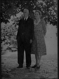 William H. and Kate Arnold, grandparents of Morris Arnold © Pryor Center for Arkansas Oral and Visual History, University of Arkansas