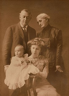 Four generations: baby, Janet Sheppard, mother, Lucille Sanderson Sheppard, grandfather, Noah Phillips Sanderson, great-grandmother, Martha Elizabeth Phillips Sanderson; ca. 1911 © Pryor Center for Arkansas Oral and Visual History, University of Arkansas