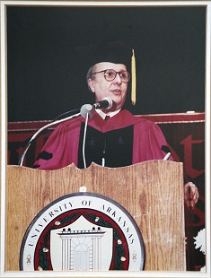Morris Arnold giving speech at Fulbright College graduation, ca. 1994 © Pryor Center for Arkansas Oral and Visual History, University of Arkansas