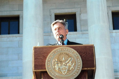 Governor-elect Mike Beebe at the podium in front of the Arkansas State Capitol the day after the gubernatorial election © Pryor Center for Arkansas Oral and Visual History, University of Arkansas