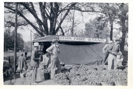 Rufus Blair, grandfather of Jim Blair, at Ozark Fruit Stand in Fayetteville, Arkansas © Pryor Center for Arkansas Oral and Visual History, University of Arkansas