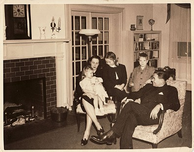 Robert L. Brown (second from right) with his family: (left to right) sister, Katherine Willoughby Brown (Williams); mother, Katherine Warwick Rust Brown; sister, Anne Warwick Brown (Plant); father, Bishop Robert Raymond Brown © Pryor Center for Arkansas Oral and Visual History, University of Arkansas