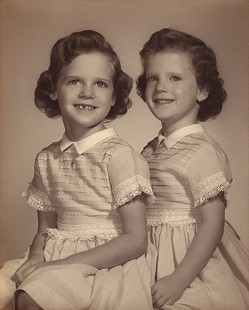 Frank Broyles's twin girls, Linda and Betsy © Pryor Center for Arkansas Oral and Visual History, University of Arkansas