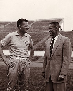 Frank Broyles (left) as head football coach at the University of Missouri © Pryor Center for Arkansas Oral and Visual History, University of Arkansas