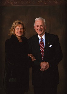 Gen and Frank Broyles, 2007 © Pryor Center for Arkansas Oral and Visual History, University of Arkansas