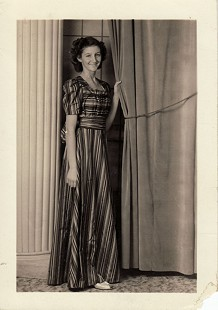 Betty Flanagan (Bumpers) in her first long dress, Rainbow Girls dance, Fort Smith, Arkansas, 1941 © Pryor Center for Arkansas Oral and Visual History, University of Arkansas