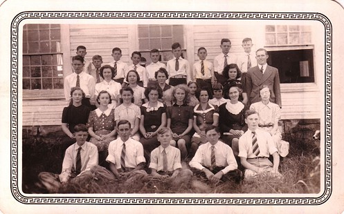 Betty Flanagan's class picture, 1942 © Pryor Center for Arkansas Oral and Visual History, University of Arkansas