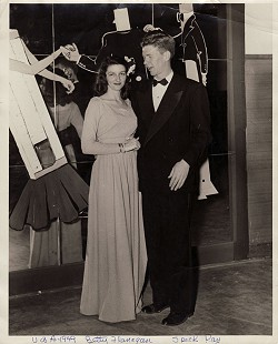 Betty Flanagan (Bumpers) and Speck Ray at the University of Arkansas Student Union Ballroom, 1949 © Pryor Center for Arkansas Oral and Visual History, University of Arkansas
