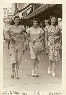 Betty Flanagan (Bumpers) with her sister, Ruth Flanagan, and Bernice Bumpers; Fort Smith, Arkansas, summer 1949 © Pryor Center for Arkansas Oral and Visual History, University of Arkansas