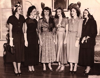Left to right: Mary Emma Wells, Bequita Bumpers Huggins Gray, Betty Flanagan Bumpers, Margaret Flanagan Schaffer, Bernice Bumpers Carey Stevens, and Ruth Flanagan Gramlich Wolfe at Dale and Betty Bumpers's wedding; September 4, 1949 © Pryor Center for Arkansas Oral and Visual History, University of Arkansas
