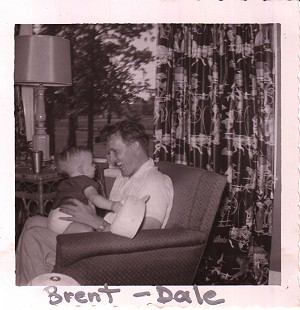 Dale Bumpers with son, Brent; Charleston, Arkansas, 1953 © Pryor Center for Arkansas Oral and Visual History, University of Arkansas