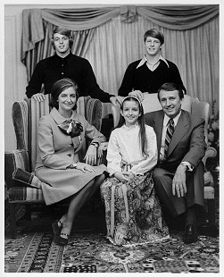 Dale Bumpers with his wife, Betty, and their children, Brent, Brooke, and Bill, at the Arkansas Governors Mansion  © Special Collections, University of Arkansas Libraries, Fayetteville