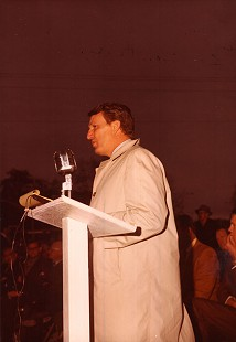 Governor Dale Bumpers at a speaking engagement, 1971 © Pryor Center for Arkansas Oral and Visual History, University of Arkansas
