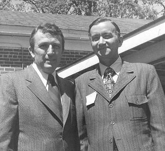 Governor Dale Bumpers with Congressman John Paul Hammerschmidt at the Northwest Arkansas Poultry Festival, 1972 © Pryor Center for Arkansas Oral and Visual History, University of Arkansas