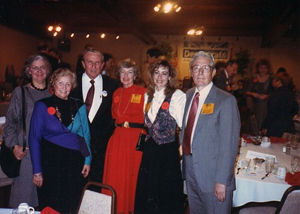 Dale Bumpers with (from left) his wife, Betty; sister, Margaret Kahliff; sister-in-law, Catherine Bumpers; niece, Donna Bumpers; and brother, Carroll Bumpers, at a Democratic function, 1990 © Pryor Center for Arkansas Oral and Visual History, University of Arkansas