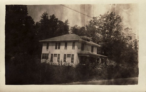 "Ed Burks's childhood home, ""The Dogwoods,"" 19 Denison Drive, Helena, Arkansas © Pryor Center for Arkansas Oral and Visual History, University of Arkansas"