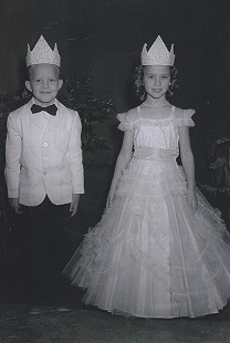 Terry Cagle and Sherry Lynn Kemmer, winners of the Little Mr. and Miss Marvell contest, 1958 © Pryor Center for Arkansas Oral and Visual History, University of Arkansas