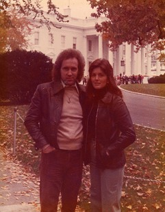 Ernie Cate with his wife, Linda Cate, at the White House; Washington, DC, November 1976  © Pryor Center for Arkansas Oral and Visual History, University of Arkansas