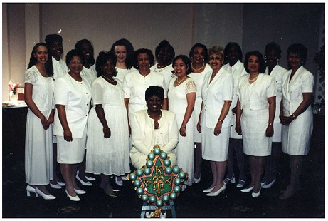 Margaret Clark (standing 4th from left in middle row) with Alpha Kappa Alpha members © Pryor Center for Arkansas Oral and Visual History, University of Arkansas