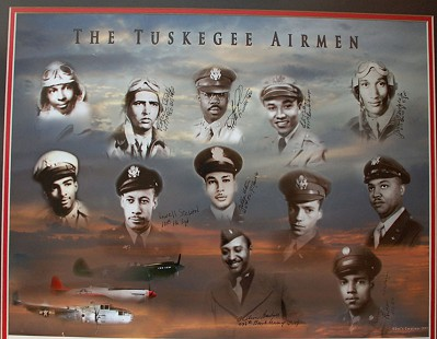 Plaque honoring the Tuskegee Airmen © Pryor Center for Arkansas Oral and Visual History, University of Arkansas