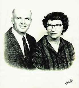 Olan Mills portrait of Joseph Clifton Dumas and wife Berta (Canady) Dumas, parents of Ernie Dumas, 1959 © Pryor Center for Arkansas Oral and Visual History, University of Arkansas