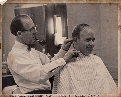 Ernie Dumas getting haircut from Renee Brissnick, 1968 © Pryor Center for Arkansas Oral and Visual History, University of Arkansas