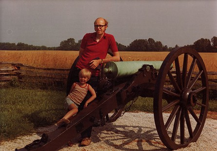 Ernie Dumas with his son at Pea Ridge National Military Park, 1975 © Pryor Center for Arkansas Oral and Visual History, University of Arkansas