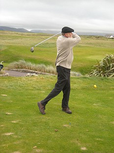 Ernie Dumas golfing at Dingle Golf Club, Ireland, 2005 © Pryor Center for Arkansas Oral and Visual History, University of Arkansas