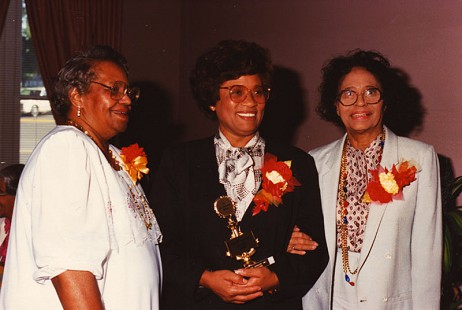Joycelyn Elders receiving the Daisy Bates Award at Eta Phi Beta's Founder's Day at the Capitol Hill Building with Ms. Wilkerson, president of the Gammu Nu chapter of Eta Phi Beta sorority, May 7, 1989 © Pryor Center for Arkansas Oral and Visual History, University of Arkansas