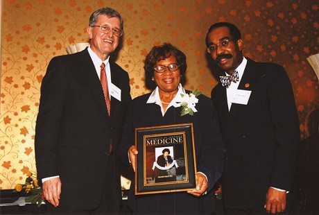 Joycelyn Elders at her induction as an Inaugural Hall of Fame member at the University of Arkansas Medical Sciences © Pryor Center for Arkansas Oral and Visual History, University of Arkansas