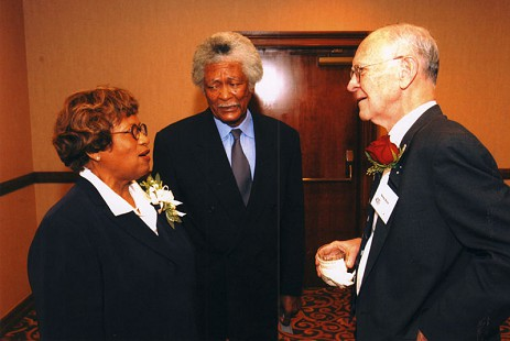 Joycelyn Elders and her husband, Oliver, with Harry Ward at her induction into the University of Arkansas Medical Sciences Hall of Fame © Pryor Center for Arkansas Oral and Visual History, University of Arkansas