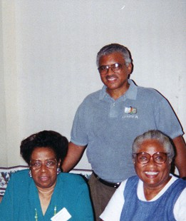 Joycelyn Elders's sisters, Beryl and Pat, and brother, Chester, July 1999 © Pryor Center for Arkansas Oral and Visual History, University of Arkansas