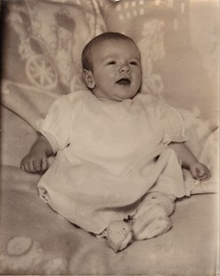 "Baby photo of Dan Ferritor, 1939; ""Danny"" written on back © Pryor Center for Arkansas Oral and Visual History, University of Arkansas"