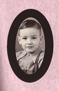Childhood photo of Dan Ferritor, 1945 © Pryor Center for Arkansas Oral and Visual History, University of Arkansas
