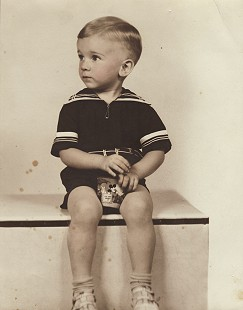 Portrait of Dickson Flake as a toddler © Pryor Center for Arkansas Oral and Visual History, University of Arkansas