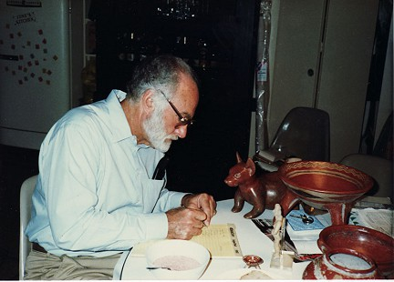 Edmond Freeman with his pre-Columbian art collection © Pryor Center for Arkansas Oral and Visual History, University of Arkansas