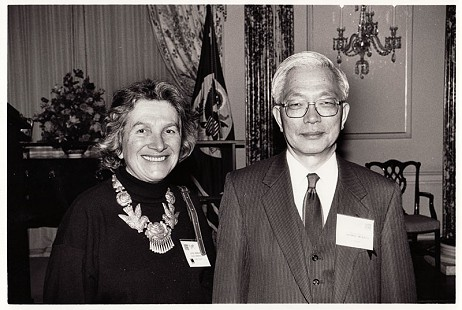 June Freeman and Japanese ambassador Ryohei Murata at the Japanese embassy, 1991 © Pryor Center for Arkansas Oral and Visual History, University of Arkansas