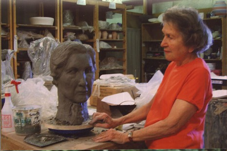June Freeman working on a self-sculpture project © Pryor Center for Arkansas Oral and Visual History, University of Arkansas