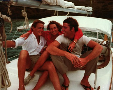 Ellen Gilchrist with her sons, Marshall and Garth Walker, in the British Virgin Islands © Pryor Center for Arkansas Oral and Visual History, University of Arkansas