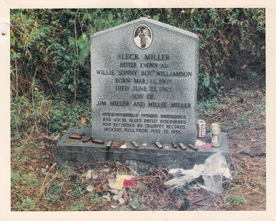 "Willie ""Sonny Boy"" Williamson's headstone in cemetery in Tutwiler, Mississippi © Pryor Center for Arkansas Oral and Visual History, University of Arkansas"