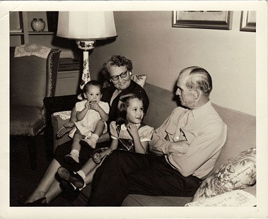 Hank Haines's parents, Florence and Harry Haines, with their granddaughters, Harriett and Elizabeth Haines © Pryor Center for Arkansas Oral and Visual History, University of Arkansas