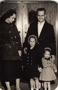 Hank Haines with his wife, Nancy, and daughters, Elizabeth (center) and Harriett, at the <i>Courier News</i> offices &copy; Pryor Center for Arkansas Oral and Visual History, University of Arkansas