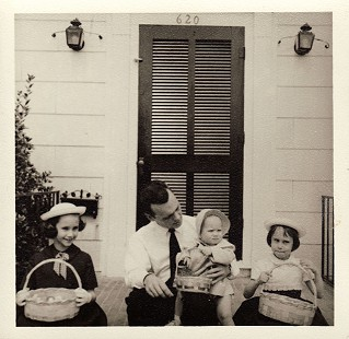 Hank Haines with his daughters, Elizabeth (left), Margaret (center), and Harriett; Easter, ca. 1958 © Pryor Center for Arkansas Oral and Visual History, University of Arkansas