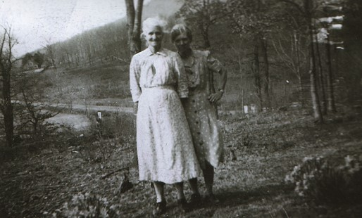 Ronnie Hawkins's grandmother, Rachel Hawkins, with his aunt, Mary Haskins © Pryor Center for Arkansas Oral and Visual History, University of Arkansas