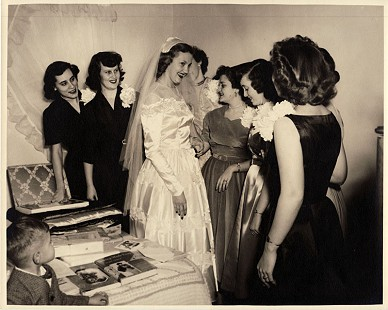 Johnelle Hunt with members of her wedding party © Pryor Center for Arkansas Oral and Visual History, University of Arkansas